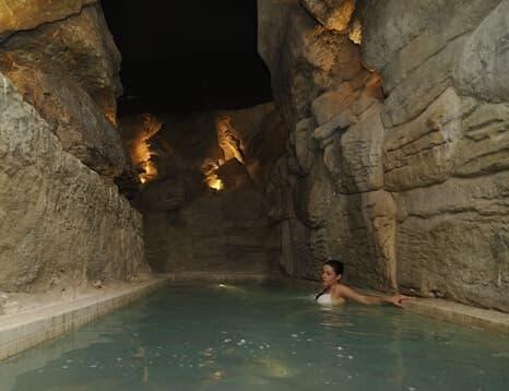 balneario agua caliente.php